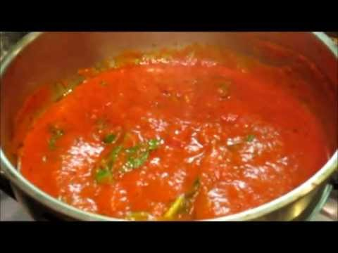 How to make traditional marinara sauce