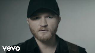 Eric Paslay - She Don't Love You (Official Music Video)