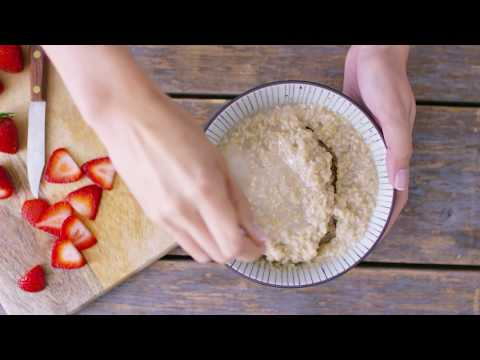 How To Make Quaker® Quick 3-Minute Steel Cut Oats | Quaker®