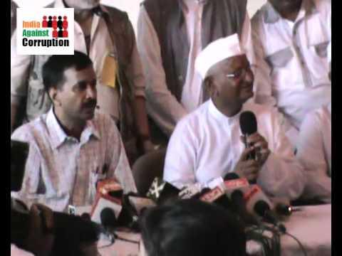 Anna Hazare   Arvind Kejriwal   Mayank Gandhi India Against Corruption Press Conference in Mumbai
