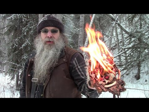 Fast method for producing natural fire tinder and feather sticks