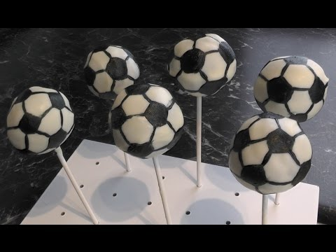 Fußball Cake Pops - Freaky Baking - NinNin