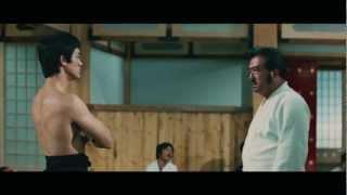 """Chen Zhen (Bruce Lee) against Japanese """"Hongkou"""" dojo."""