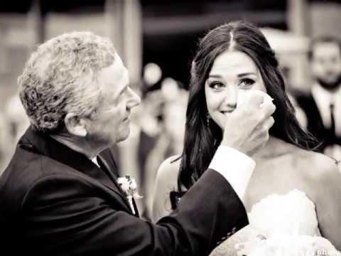 Amikor a vőlegény először meglátja az arát