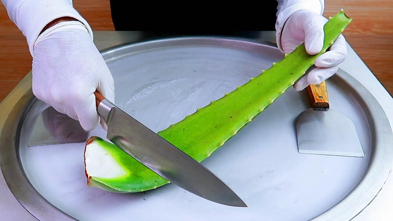 Aloe vera ice cream rolls street food - ايسكريم رول على الصاج صبار