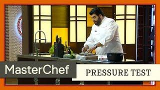 Chef Antonino ai fornelli di MasterChef Italia 5