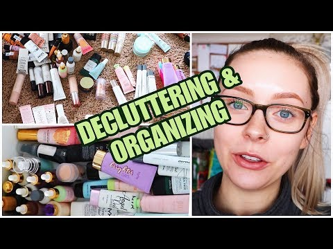DECLUTTERING MY MAKEUP COLLECTION | Powders & Primers