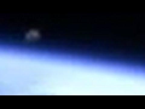 NASA derruba transmissão do espaço após OVNI surgir