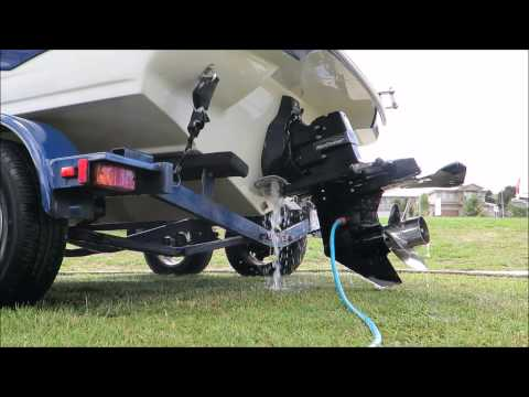 Boat engine flush with fresh water