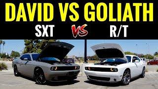 Dodge Challenger SXT V6 vs Challenger RT V8 | STREET RACE!