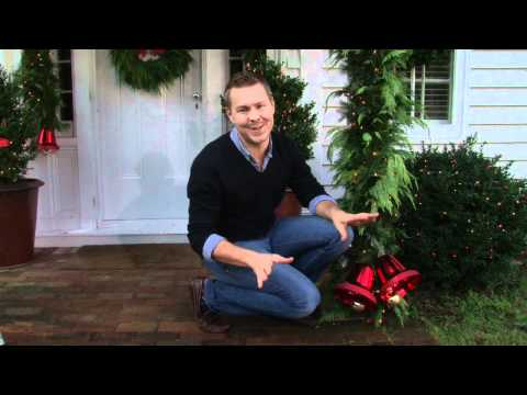 Sears:  Tips for Decorating your Entryway for the Holidays