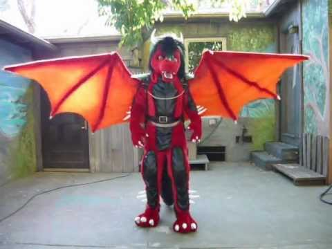 Dragon costume with Articulated wings