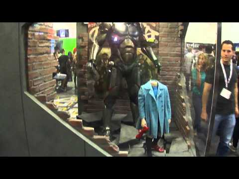 Short Video: Inside Exhibit Hall. Pacific Rim Robot Movie Costumes: Saturday Comic-Con 2013
