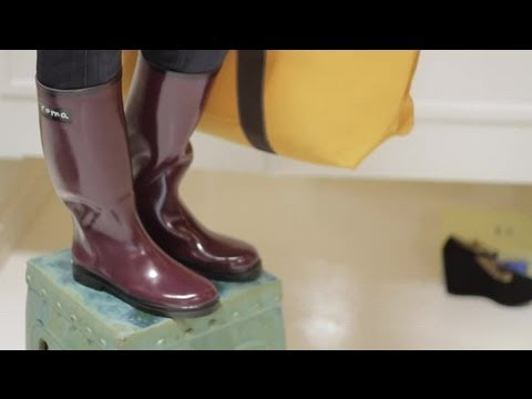 How to Wear Women's Rain Boots : Simple Fashion Advice