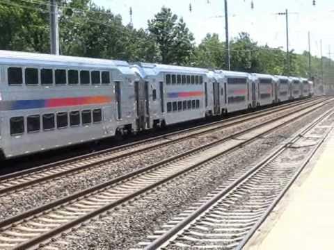 New Jersey Transit Train #7844 arrives at Princeton Junction