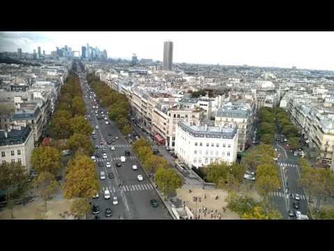 Paris view Arc de Triomphe