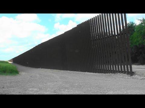 TEXAS - MEXICO BORDER FENCE