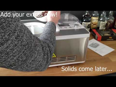 Making Ice Cream in the Elisa by Springlane