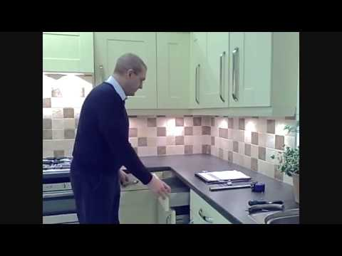 Replace Kitchen Doors & Drawer Fronts in Tight Corners