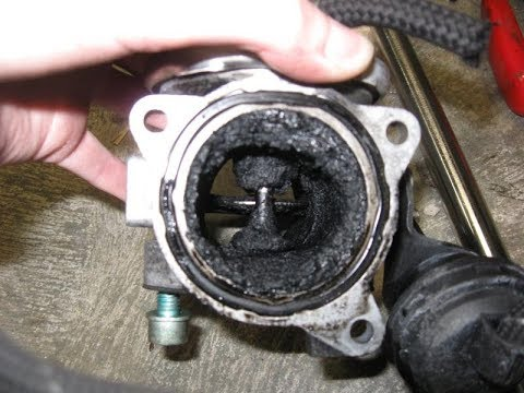 Как почистить клапан EGR наToyota Corolla.How to clean the EGR valve for the Toyota Verso.