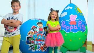 Download Дети не поделили игрушки Свинки и Щенячего Патруля в огромных яйцах / Giant toy eggs with surprise Video