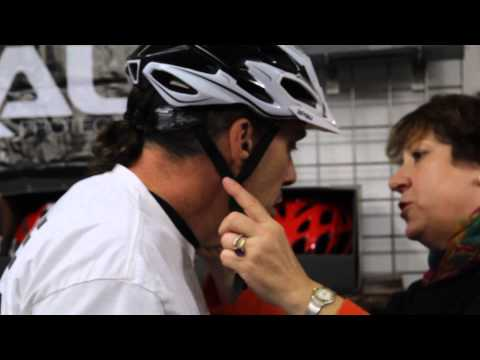 How To Size A Helmet - Complete Fit Guide - BikemanforU - With Toni