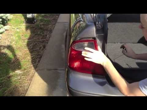 Replace turn signal/reverse light-2007 Ford Focus
