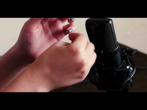 ASMR : Cracking and Popping Knuckles