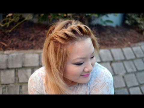HOW TO | Front Side Twist Hairstyle {Quick & Easy}