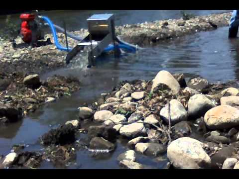 Gold prospecting with Jobe 1.5 suction dredge!! PaystreakTV season 3 ep8.