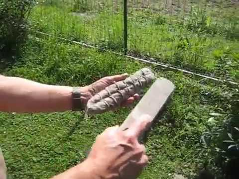 Cleaning the salami from the mold
