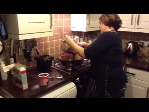 Claire pampered chef Deep covered Baker