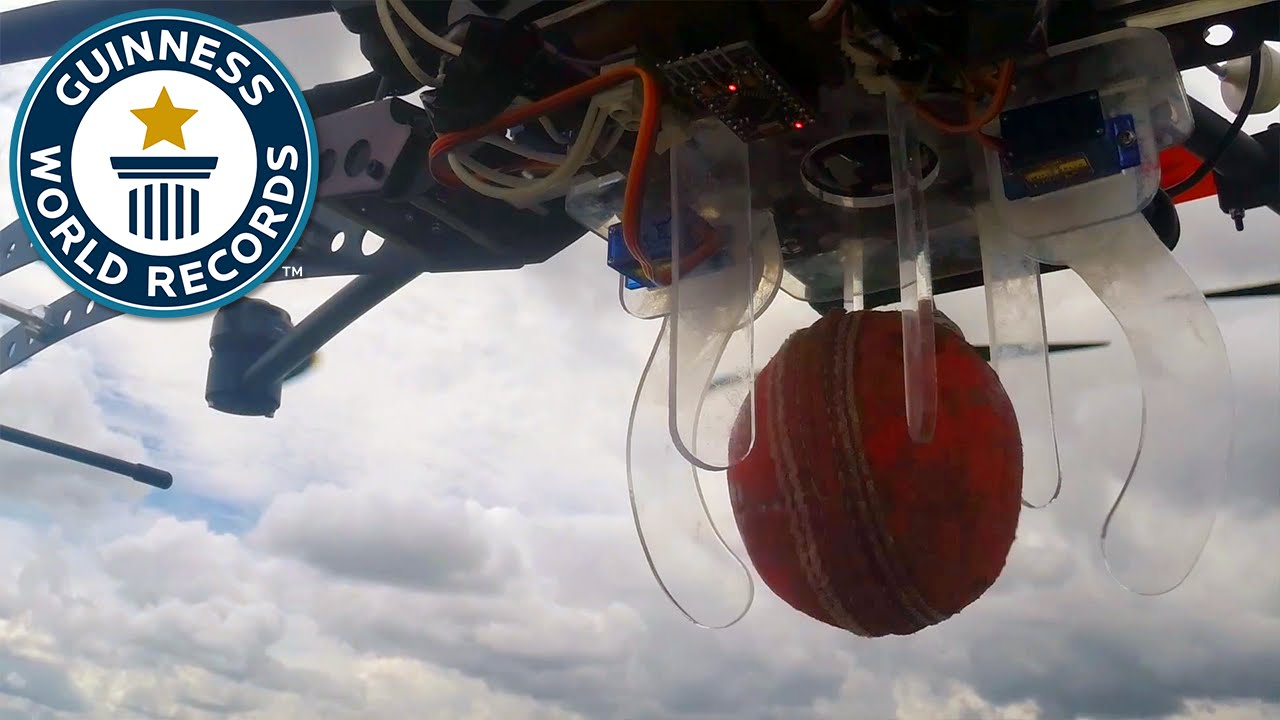 The highest cricket ball catch - Guinness World Records