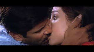 Priyanka Trivedi Hottest Song Kadhal Sadugudu