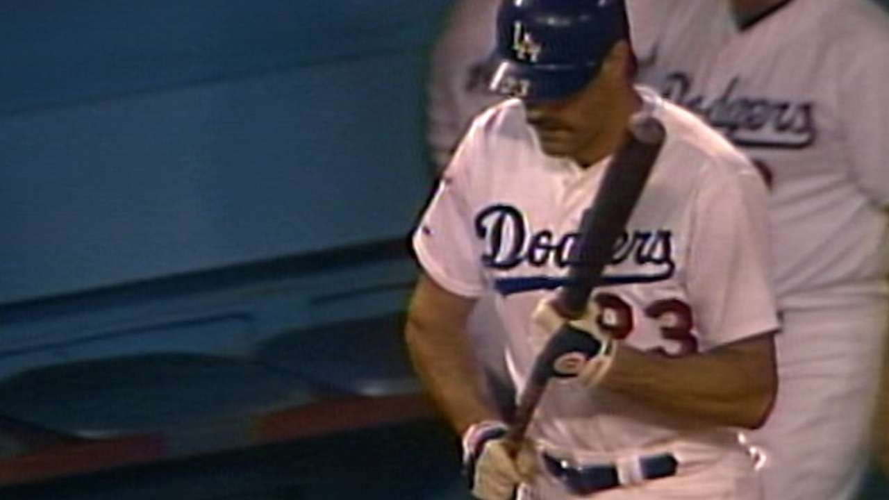 WS1988 Gm1: Scully's call of Gibson memorable at-bat