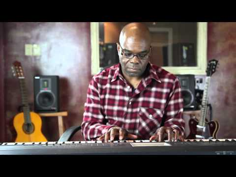 How to Make Fast Ascending & Descending Jazz Piano Runs : Piano Lessons