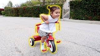 ELLE LEARNS HOW TO RIDE A BIKE!!! (WE CAN