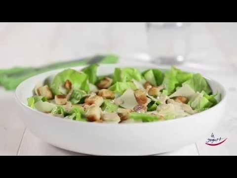 Caesar Salad con salsa allo yogurt - Ricette con Yogurt