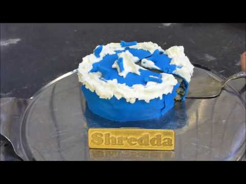 Baking with shredder Smurf cake ( shredding smurfs )