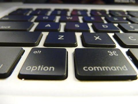 Easiest Way to Clean your Macbook Keyboard