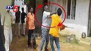 Priyadarshini College Principal Beats ABVP Activists | Nalgonda | TV5 News