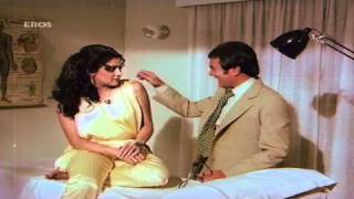 Hema Malini Flirts With Rajesh Khanna - Hum Dono