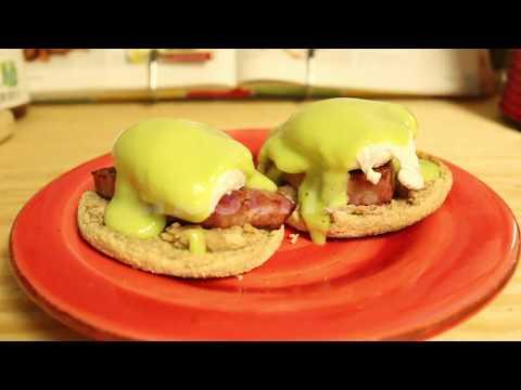 Quick & Easy Avocado Hollandaise Sauce (Green Eggs and Ham Benedict)