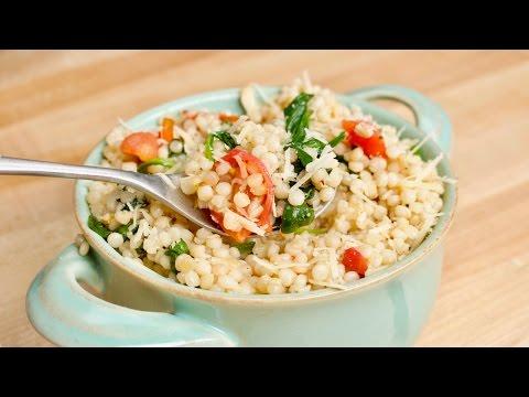 Cheesy & Garlicky One-Pot Ptitim (Israeli Couscous) Recipe