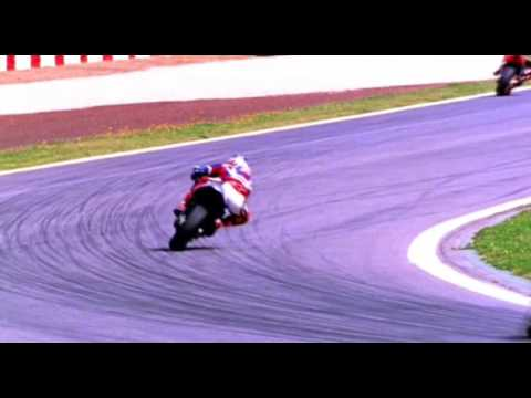 The best riders explain how to get out of corners the fastest way