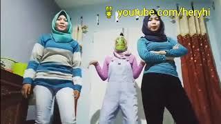 Jilboob or hijaber? Goyang naik turun challenge genkgau