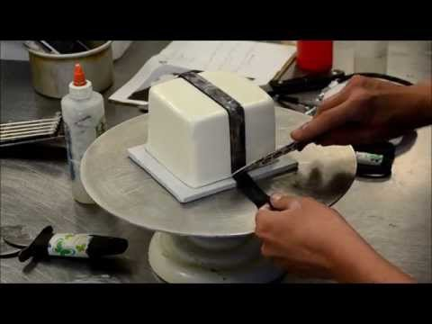 How to decorate a square cake into gift box - Christmas Cake Idea