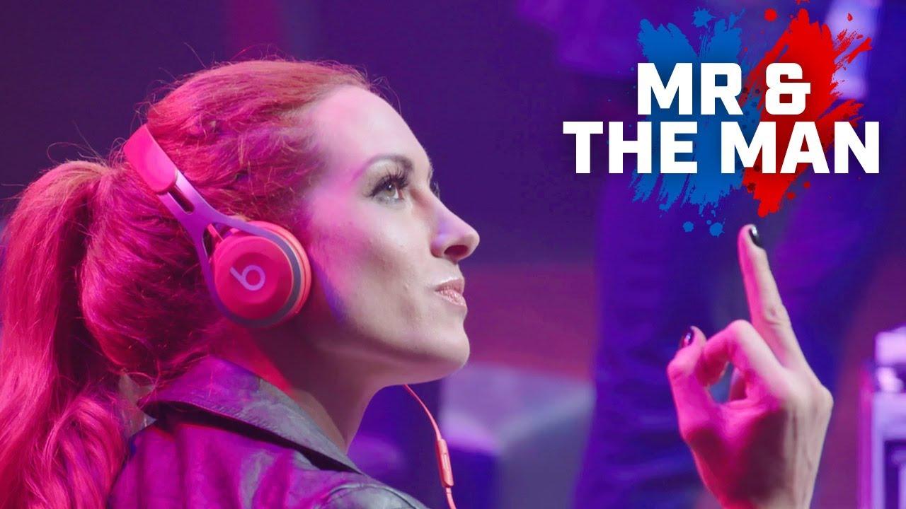 Becky Lynch & Seth Rollins: Superstar Mr & The Man - WWE GP Live!