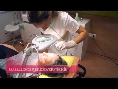 Profi für Permanent Make-up der Augenbrauen-Härchenlinien