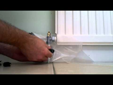 Draining a radiator | Replacing a valve | It's super easy with Rapid RaDrain